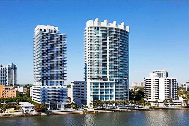 Onyx on the Bay - Exterior